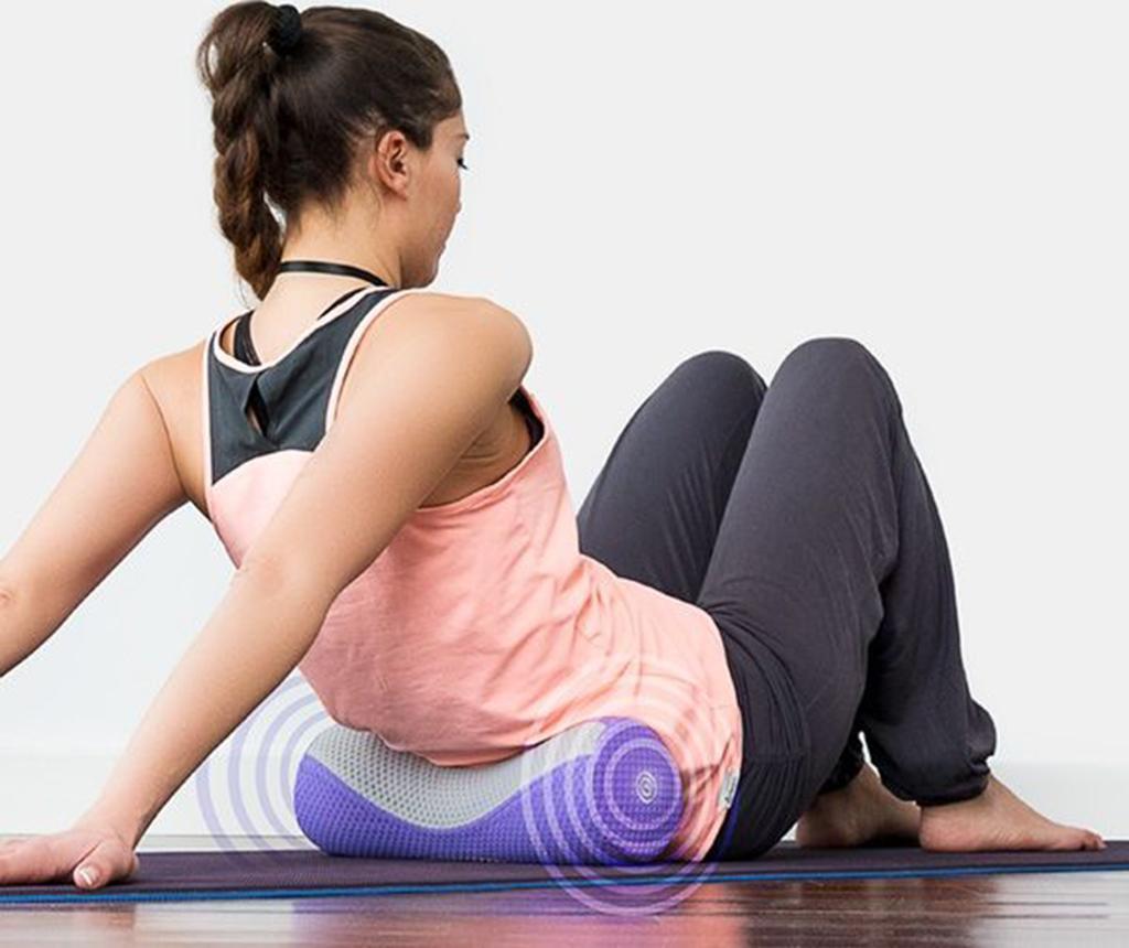 Valj za yogo z vibracijsko masažo BTK Vibro