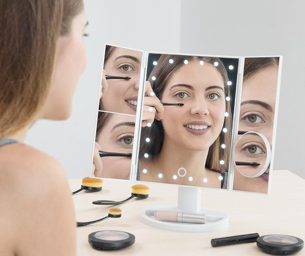 Oglinda cosmetica iluminata cu LED Mildred
