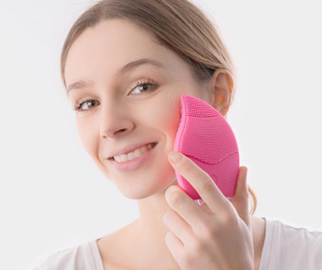 Četka za čišćenje lica InnovaGoods Cleanser and Massager