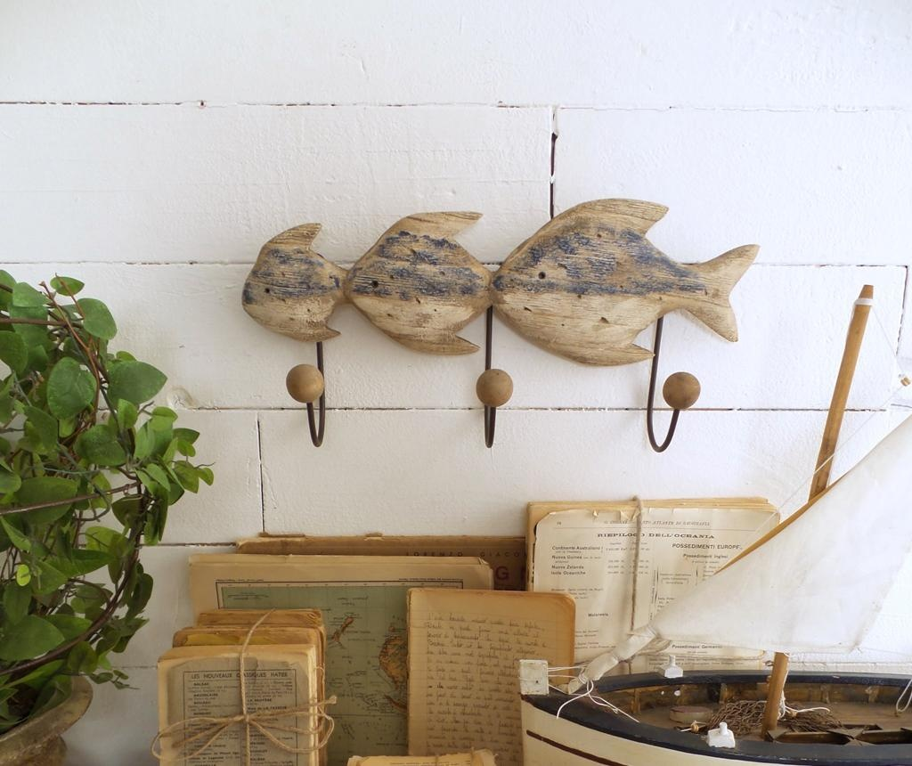 Stenski obešalnik Fish